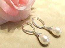 Load image into Gallery viewer, Sterling silver teardrop pearl earrings