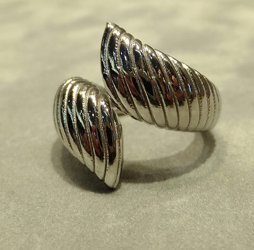 Sterling silver twist style ring