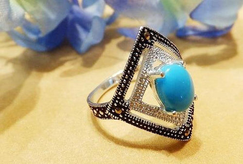 Turquosie gemstone ring