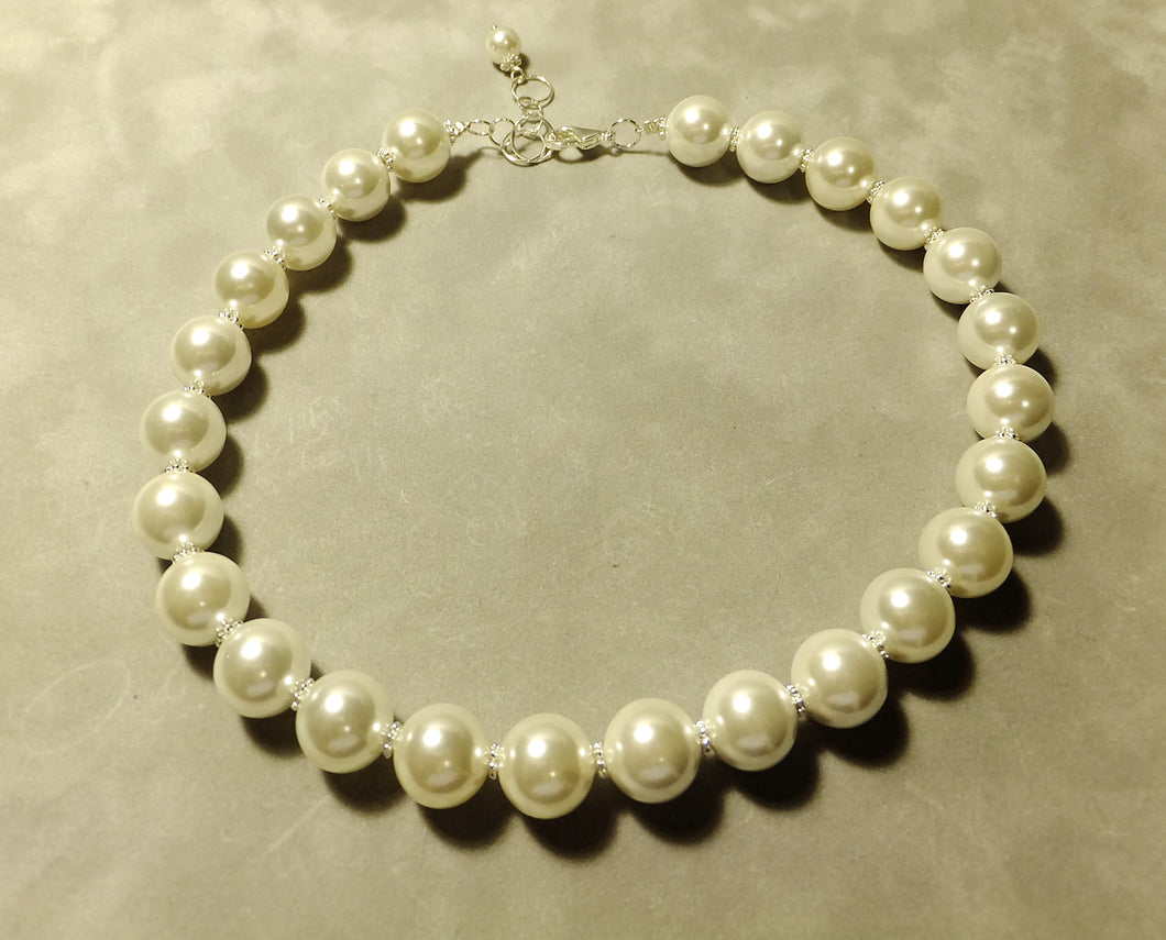 White bold Mother Of Pearl necklace