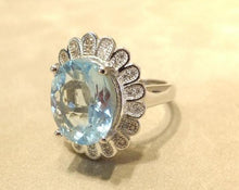 Load image into Gallery viewer, flower ring in blue topaz