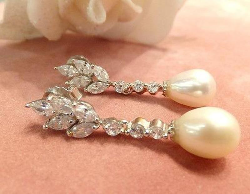 White topaz and drop natural pearl earrings