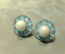 Load image into Gallery viewer, Blue flower gemstone and pearl earrings