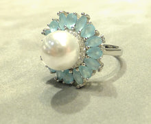 Load image into Gallery viewer, side view pearl flower ring