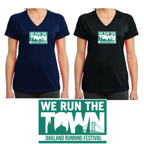 Run the Town Ultimate V-neck- Navy