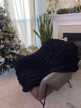Load image into Gallery viewer, Extra Chunky Knit Blanket