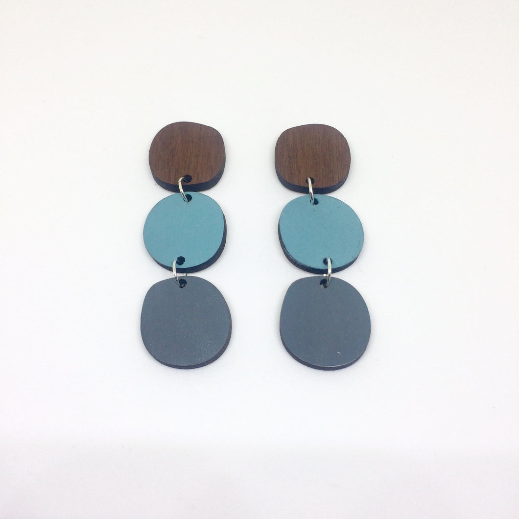 Dot drop earrings in sky