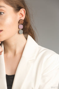 Dot drop earrings in grape