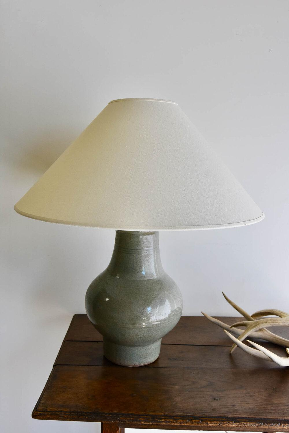 Ceramic Table Lamp in Crackle Lacquer Finish