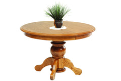 Queen Victoria Single Pedestal Table in Red Oak with Classic Finish