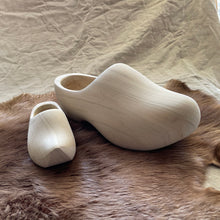 Load image into Gallery viewer, Wooden Shoes, 31cm-16cm front