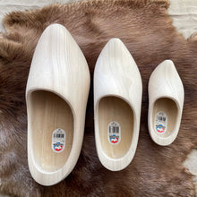 Load image into Gallery viewer, Wooden shoes, 31cm, 25cm, 16 cm, from the top