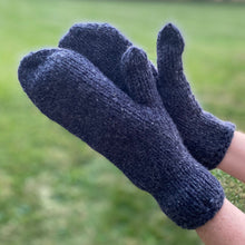 Load image into Gallery viewer, Mittens in Navy 100% Wool Yarn