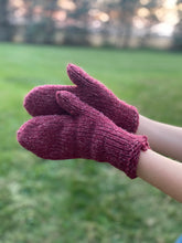 Load image into Gallery viewer, Mittens in Maroon 100% Wool Yarn