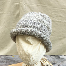 Load image into Gallery viewer, Rolled Toque knit with Bartlet yarn Natural/Medium Gray Mixt