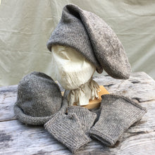 Load image into Gallery viewer, Rolled Toque, Double Toque and matching Mitts.