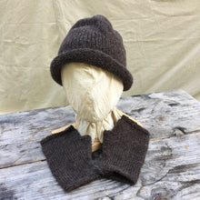 Load image into Gallery viewer, Rolled Toque in Bark with matching Muffattees