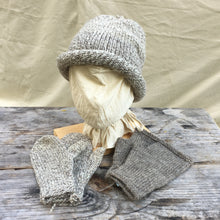 Load image into Gallery viewer, Rolled toque with matching mittens and coordinating mitts