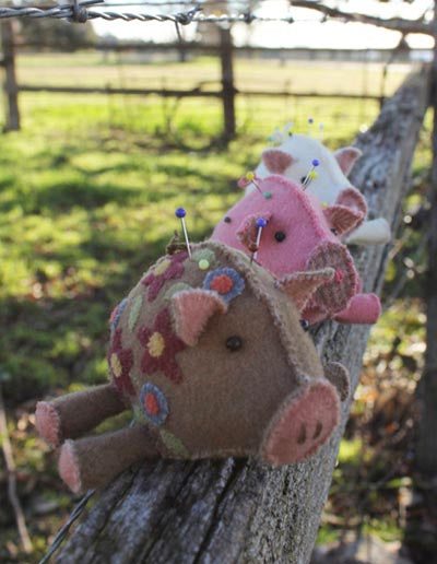 Hatched and Patched Pin Pigs