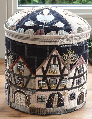 Hand Made by Margott The Townhouses In Alsace Round Box