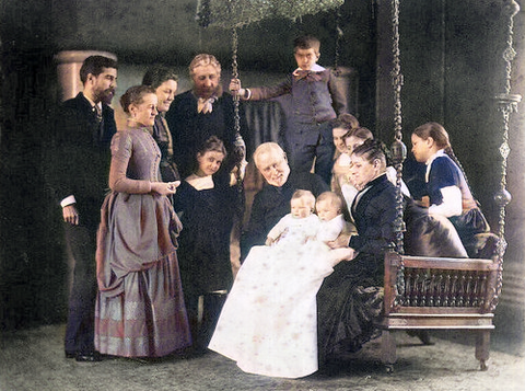 Louis Comfort Tiffany (with his family and his parents)