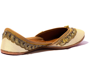 Arama - Off White Silk and Thread Women's Jutti Flats