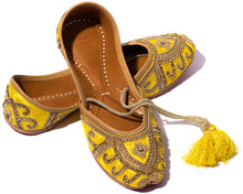 Load image into Gallery viewer, Wind - Silk and Thread Women's Jutti Flats
