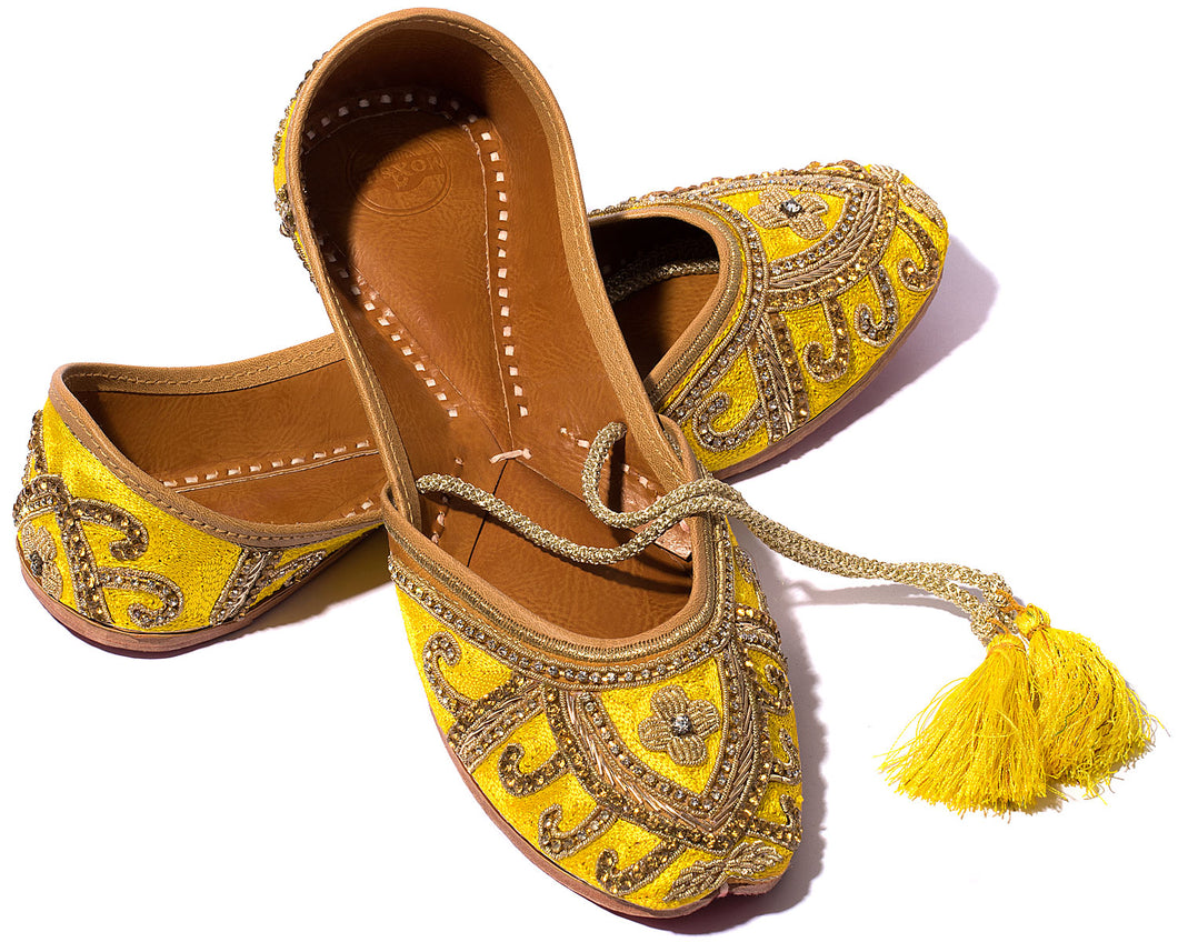 Wind - Silk and Thread Women's Jutti Flats