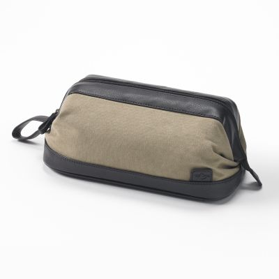 Dockers Canvas Travel Kit