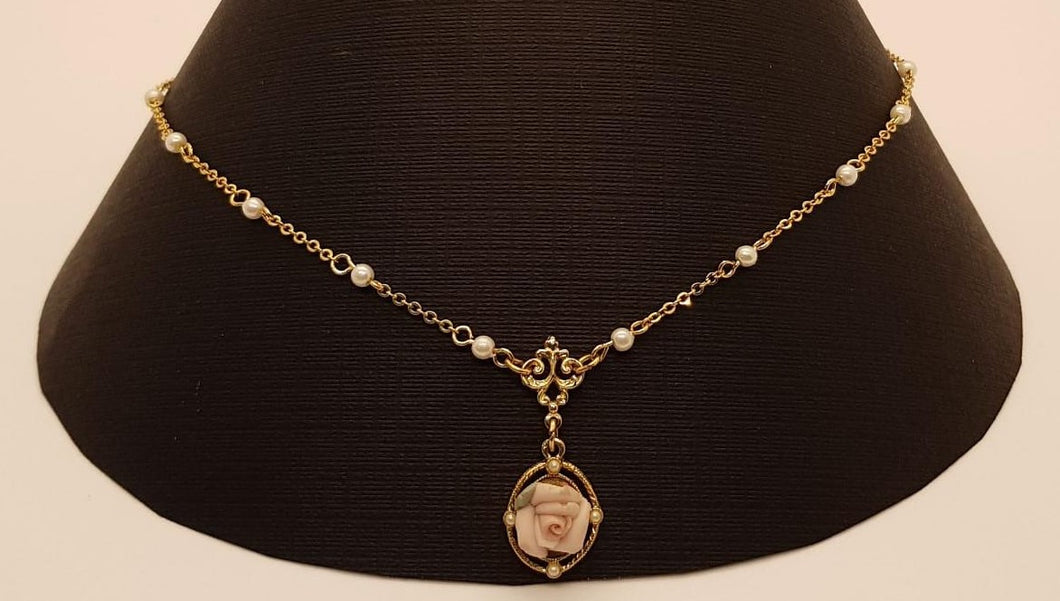 1928 Pearl Pink Porcelain Rose Pendant Necklace