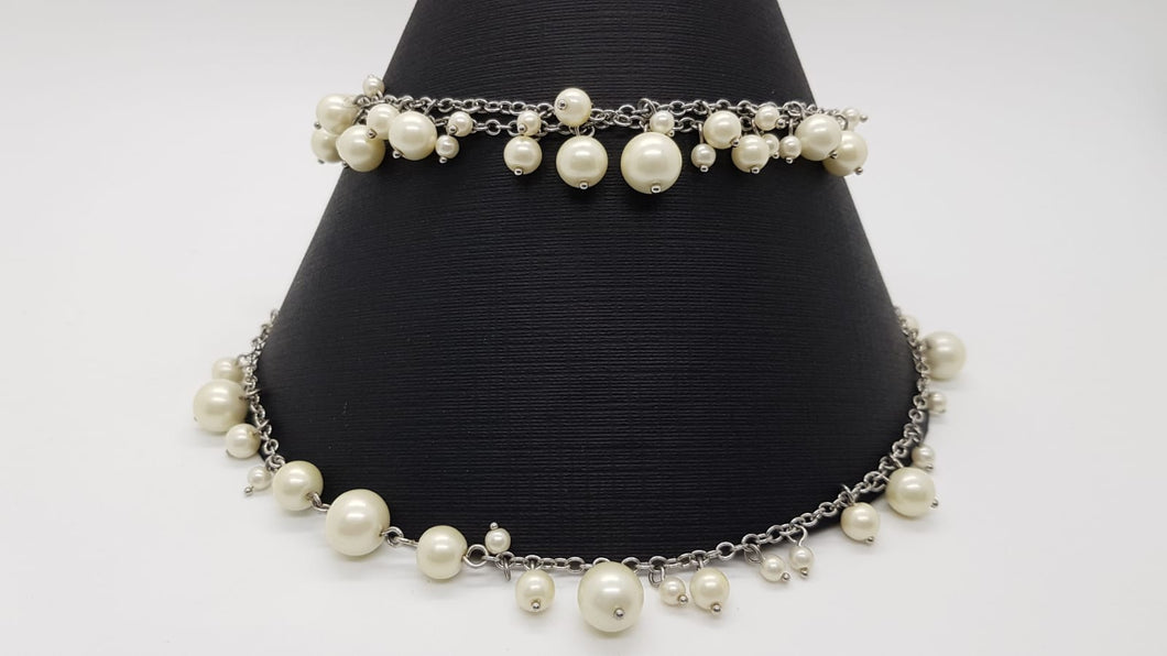 Long Faux pearl & Chain Necklace - T co.