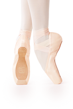 Load image into Gallery viewer, Gaynor Minden, Pointe Shoes - Sleek Fit