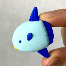 Load image into Gallery viewer, 381806 IWAKO SUN FISH ERASER-1 eraser