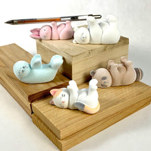 Load image into Gallery viewer, 70827 FELT ANIMAL PEN HOLDER CAPSULE-5 pieces