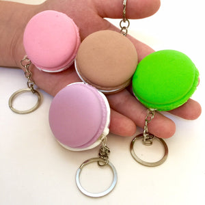 830211 SQUISHY SMALL MACAROON with keyring-1 piece