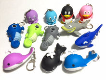 Load image into Gallery viewer, 83047 Seaworld Flashlights Keyrings-12