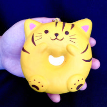Load image into Gallery viewer, 832211 Cat Donut Ring Squishy-slowrise-4 inch-1 piece