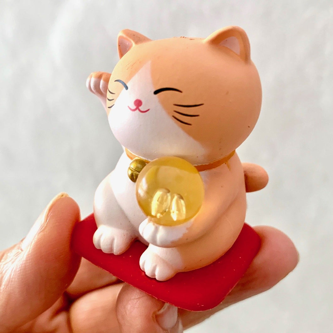 707173 MANEKI NEKO FIGURINE-PEACH CAT-1 CAT