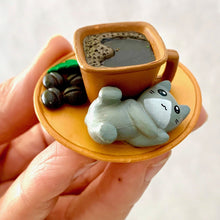 Load image into Gallery viewer, 707031 CAFÉ CAT FIGURINES-6