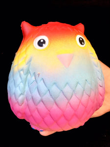 832471 RAINBOW OWL SQUISHY-4.75 inch-slowrise soft-1 piece
