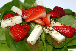 Spinach Salad with Berry Vinaigrette