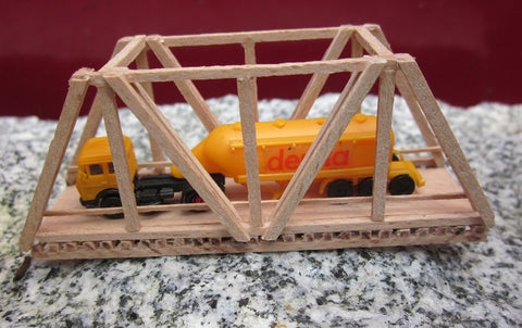 158 Gitterbrücke, Länge ca. 127,5 mm Straße / Lattice bridge made of beech wood