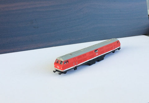 5008 L - V 320 in Rot lackiert / V 320 painted in red