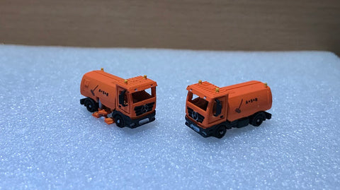 6376RF - Actros 4 x 2 mit Kehrmaschine - Fertigmodell/ Actros 4 x 2 with sweeper