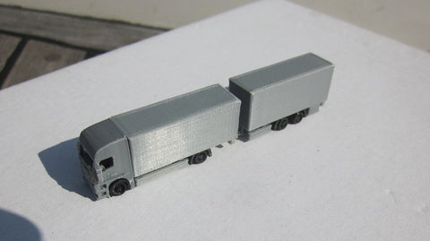 6400 - Actros 4 x 2 Gliederzug, Spur Z / Actros 4 x 2 articulated train, scale Z