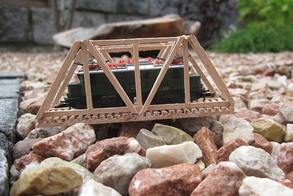 153 Gitterbrücke, Länge ca. 87,5 mm einspurig / Lattice bridge made of beech wood