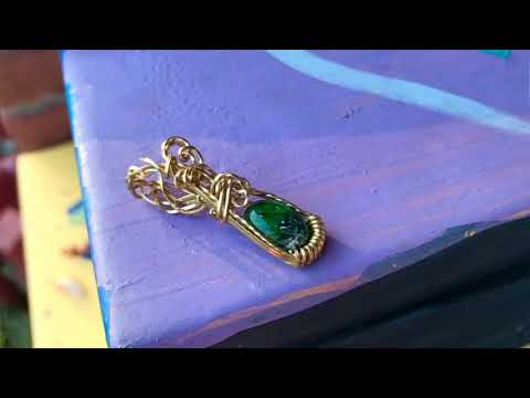 Chrome Diopside Pendant in Brass