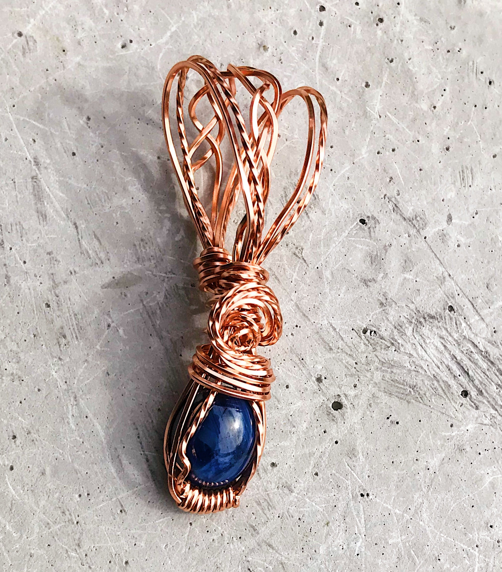 Sapphire pendant in 14K Rose gold filled wire