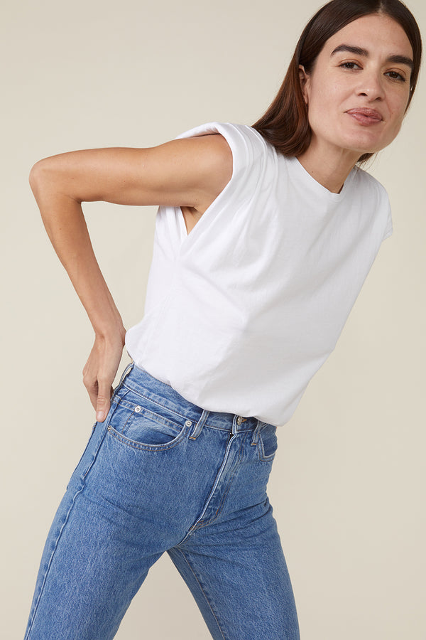 ECHO PADDED SHOULDER TEE - WHITE