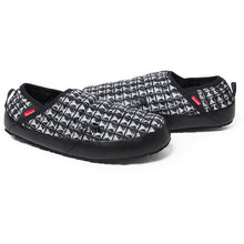 Load image into Gallery viewer, Supreme TNF Black Studded Traction Mule